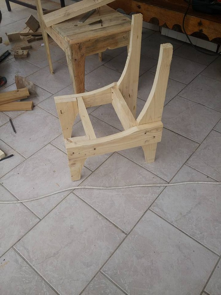 diy-pallet-chair