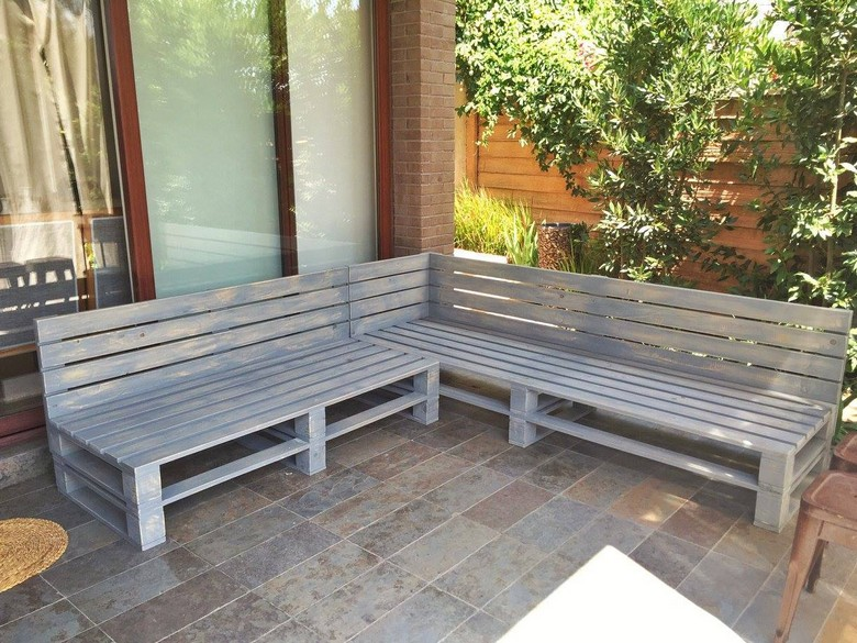 outdoor-pallet-furniture