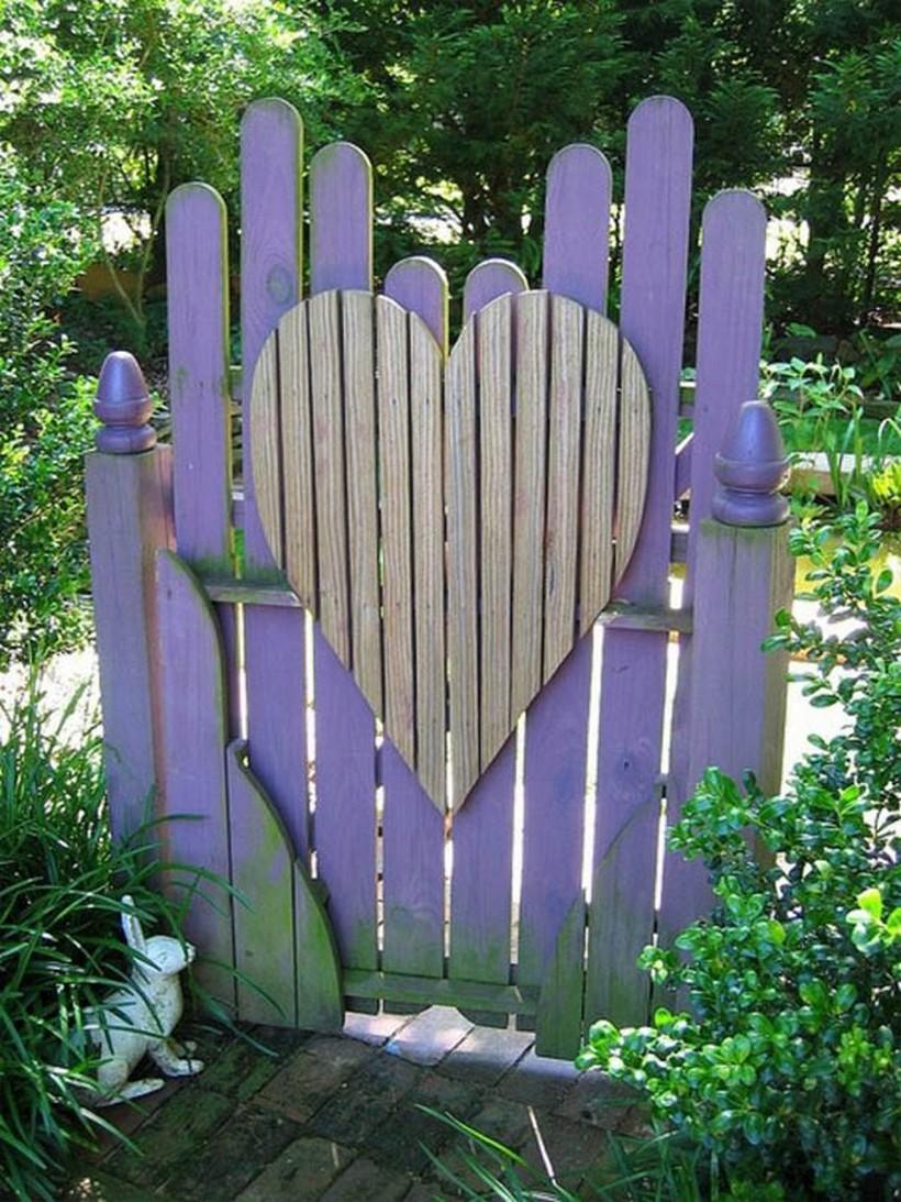 pallet-garden-gate