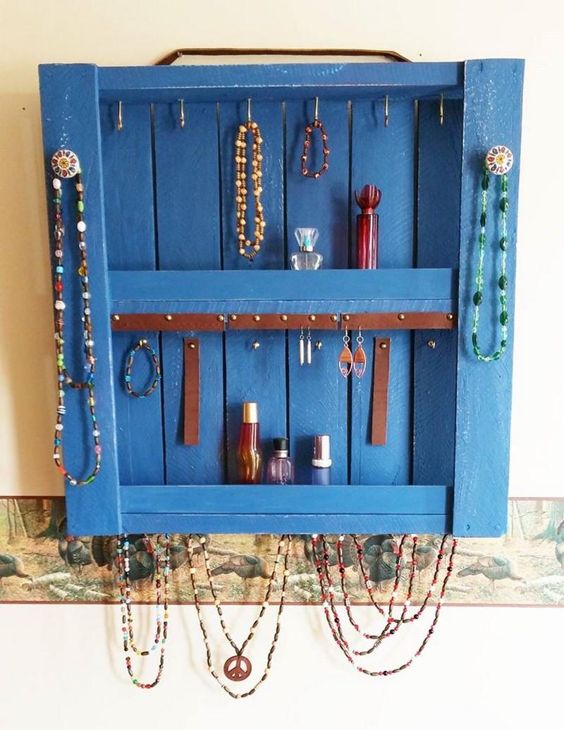 pallet-jewelry-hanger