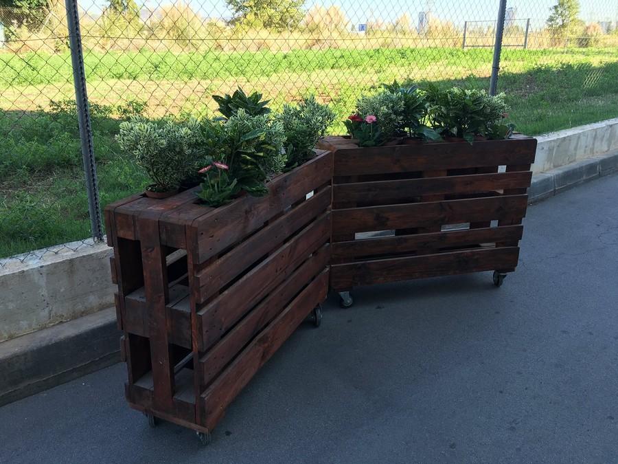 patio-pallet-wood-planters