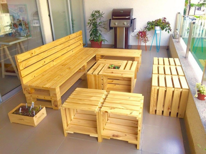 20 Amazing Ideas for Wood Pallet Furnitu...