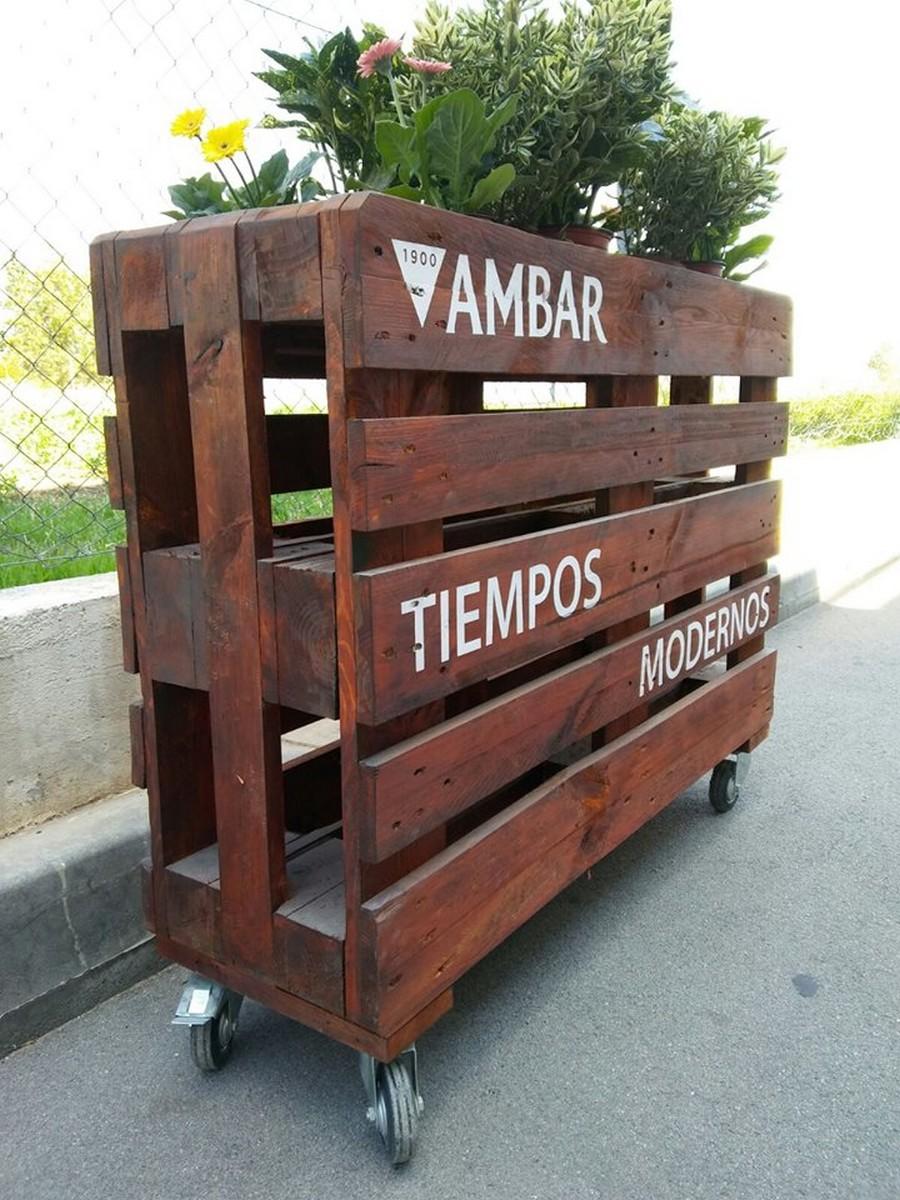 wood-pallet-patio-planter
