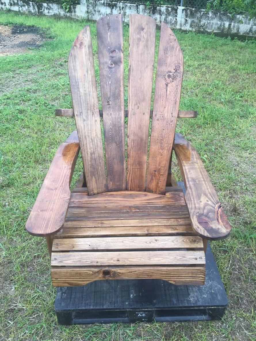 pallet-adirondack-chair
