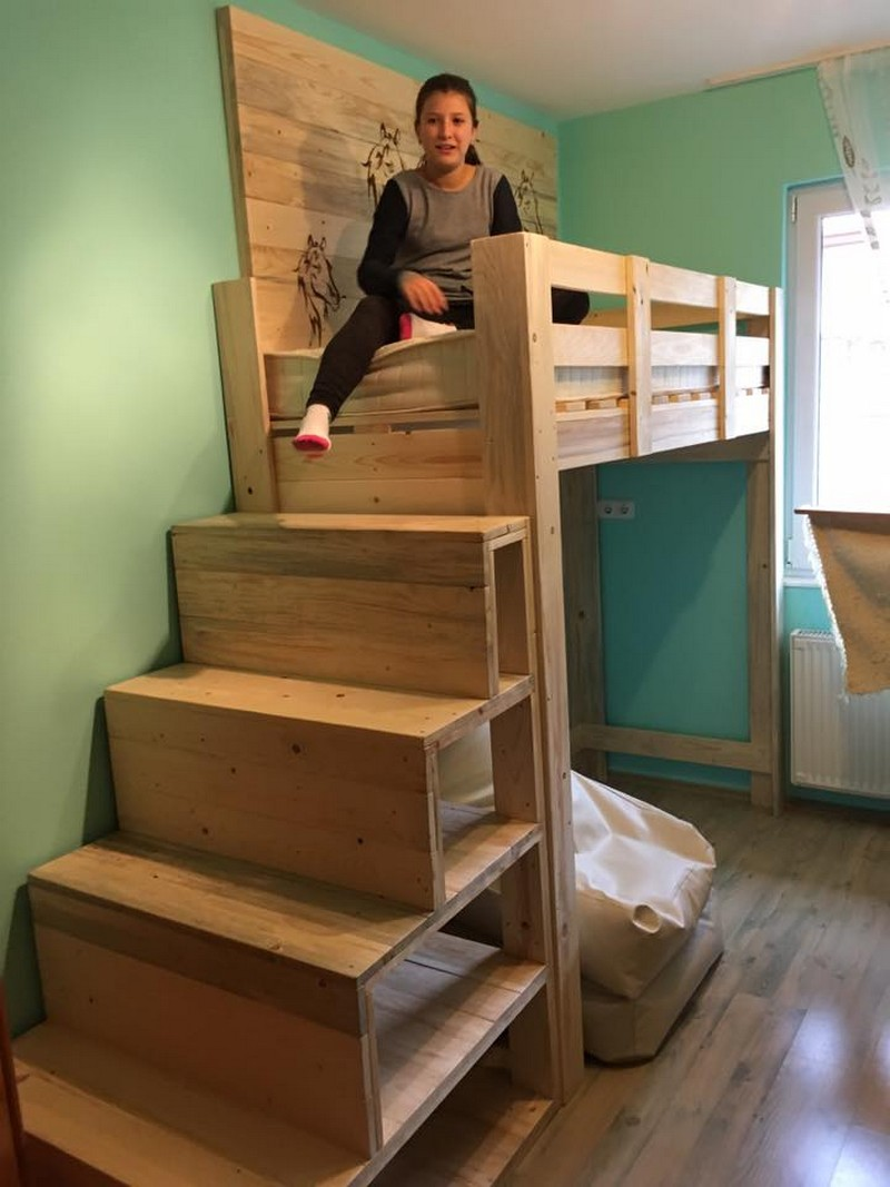 pallet-gallery-bed