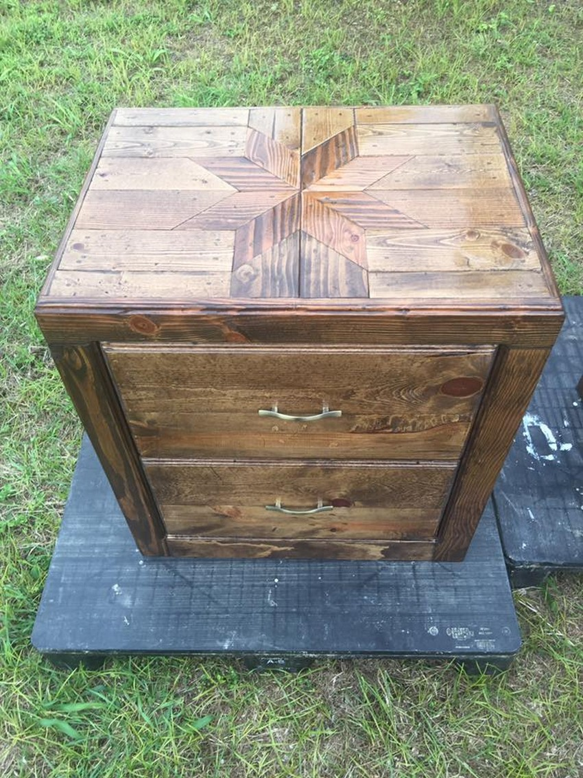 pallet-bed-end-table
