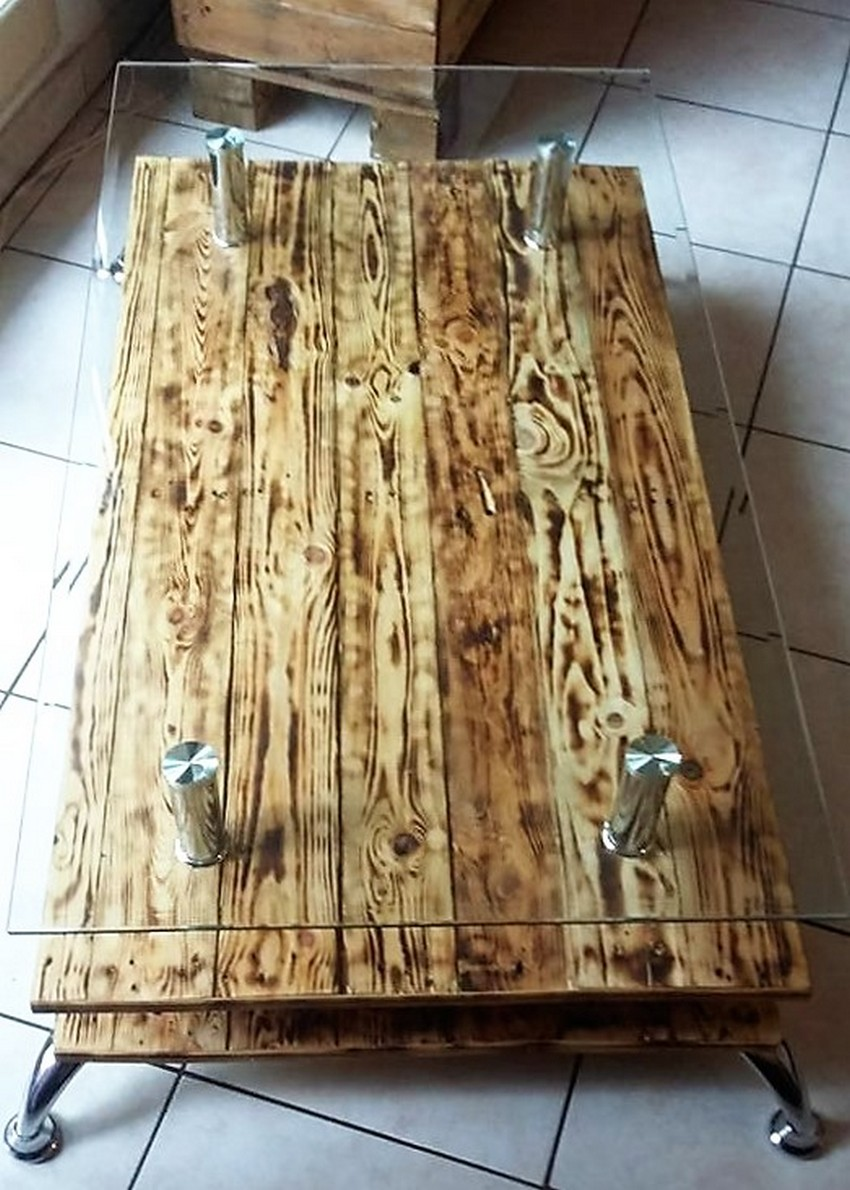 pallet-coffee-table-with-glass-top