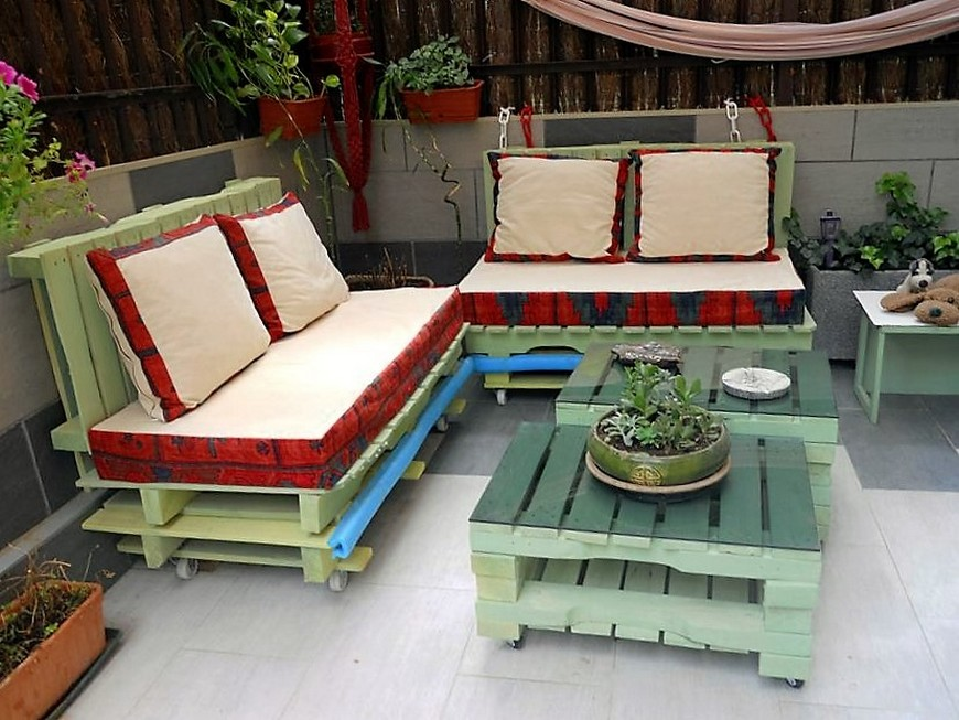 Stunning Pallet Garden Furniture Set