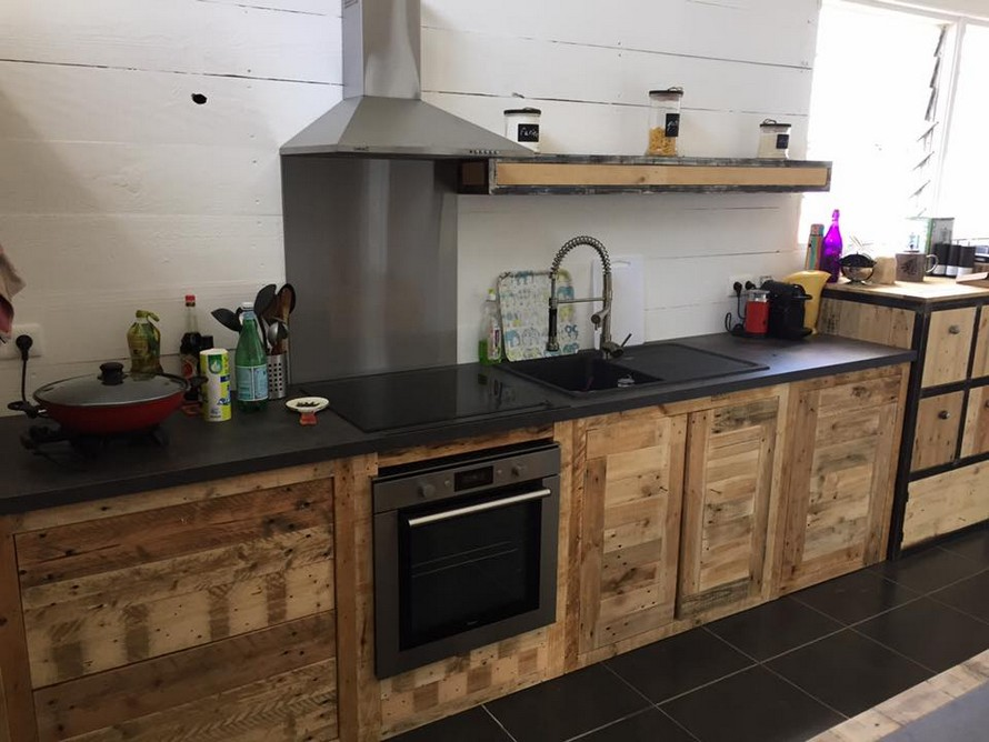 recycled-pallet-kitchen