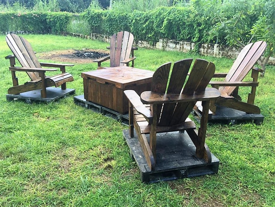 Patio Furniture Set Made With Wooden Pallets Wood Pallet Furniture