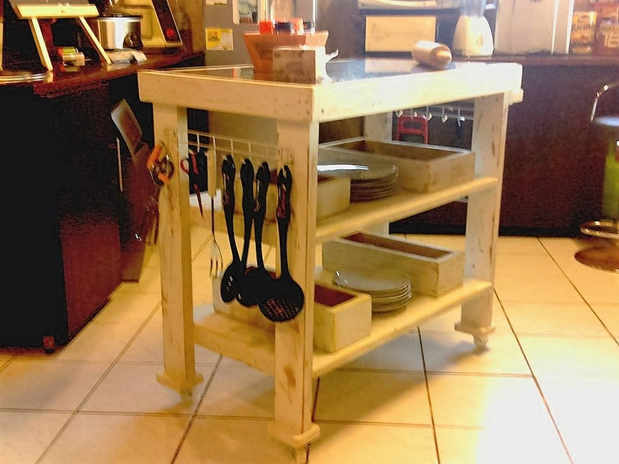 recycled-pallet-table-for-kitchen