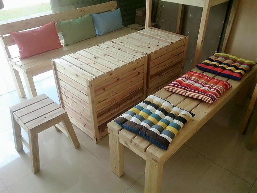 repurposed-pallet-furniture