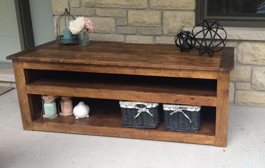 reused-pallet-side-table