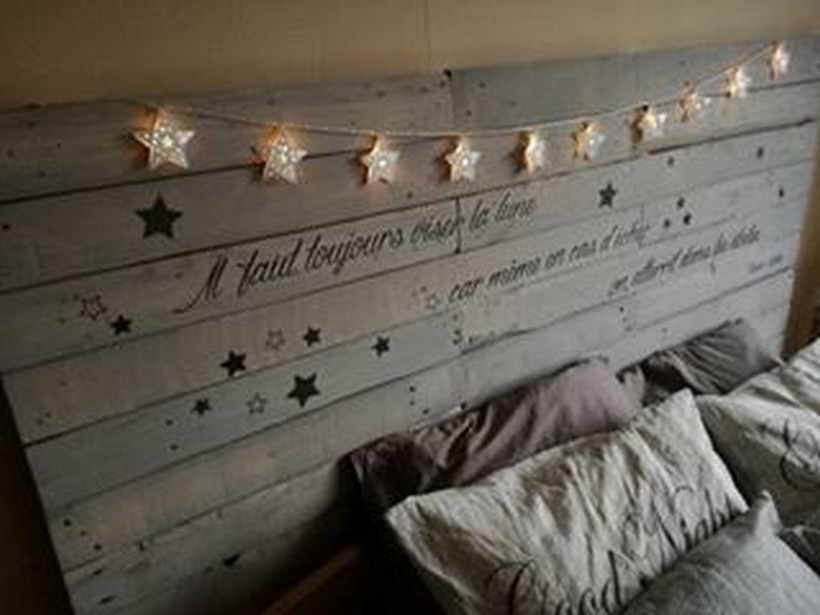 wood-pallet-bed-headboard