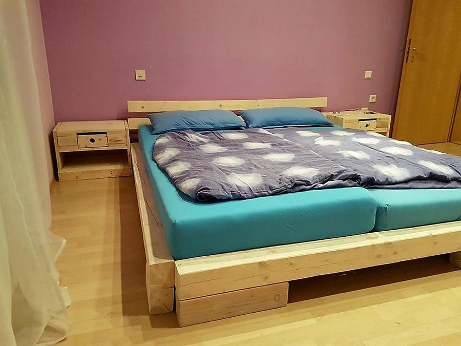 Stylish Disposable Pallets Bed