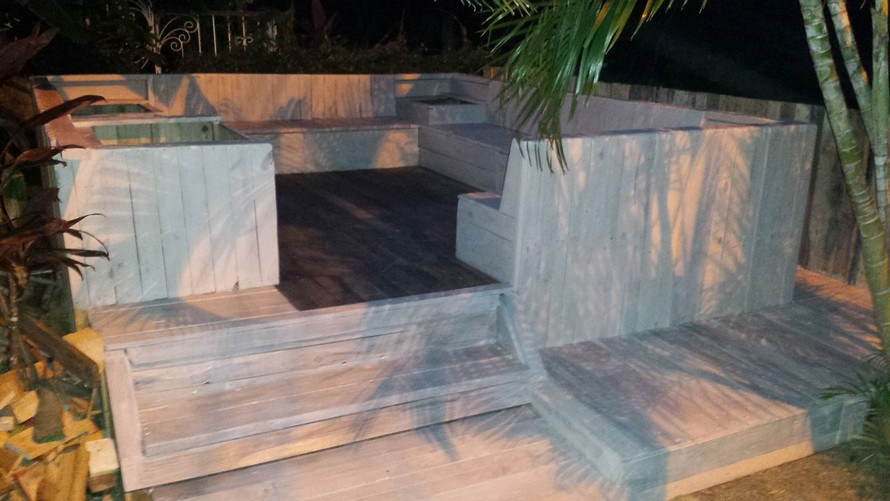 wood-pallet-terrace