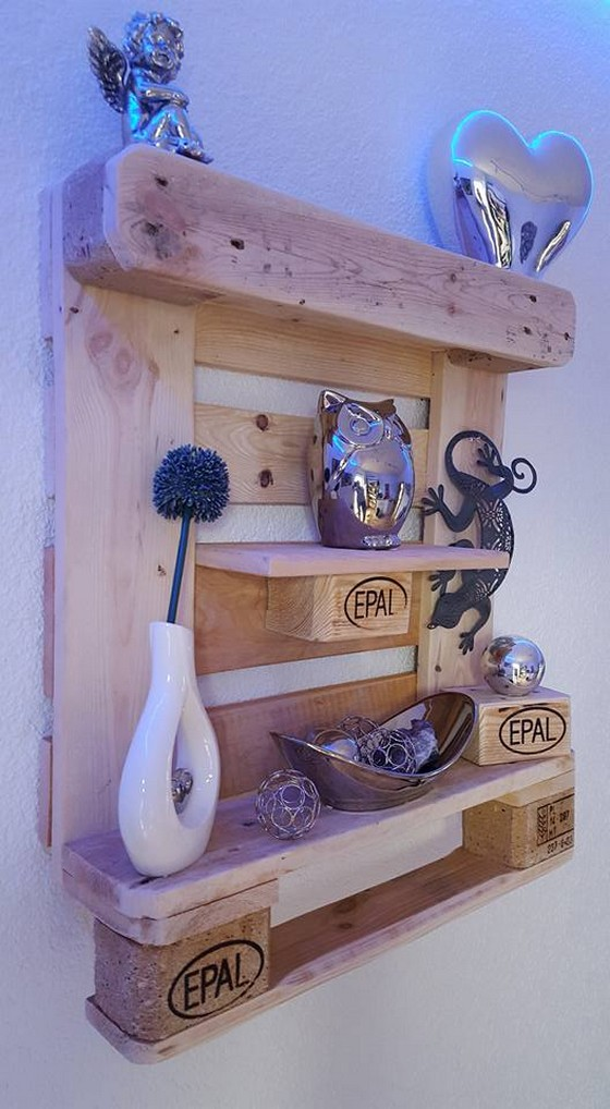 wooden-pallet-shelf