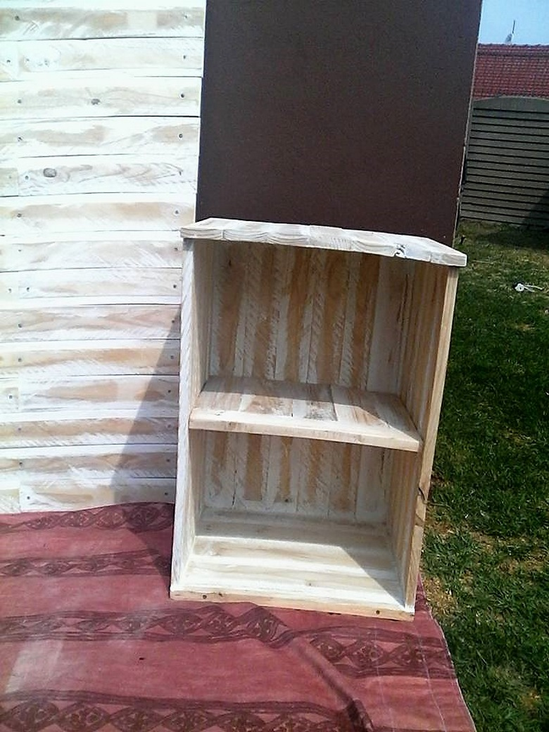 Wooden Pallet Bed Headboard With Side Tables Wood Pallet
