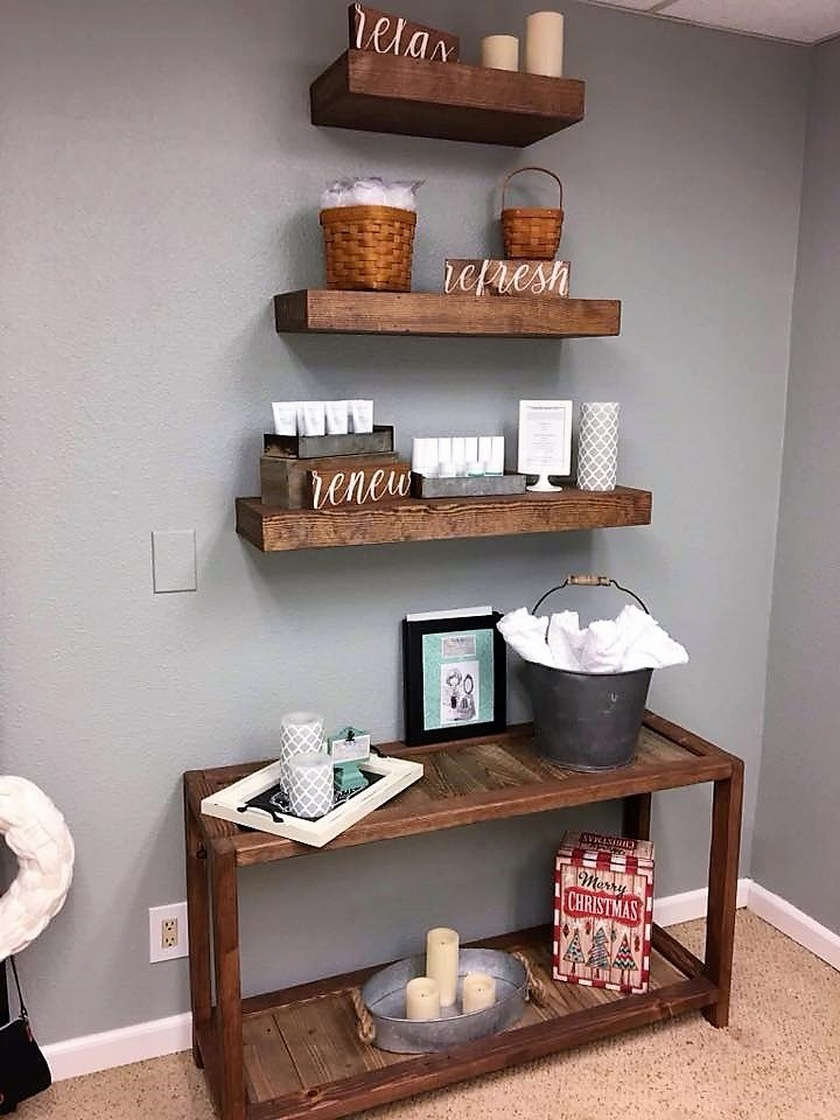 pallet-entryway-table-with-wall-shelving