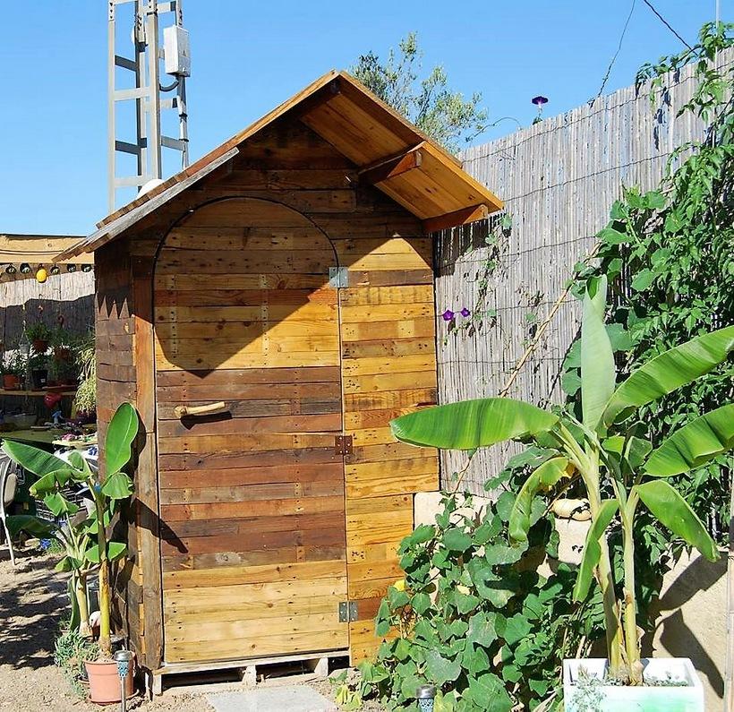 pallet-garden-cabin