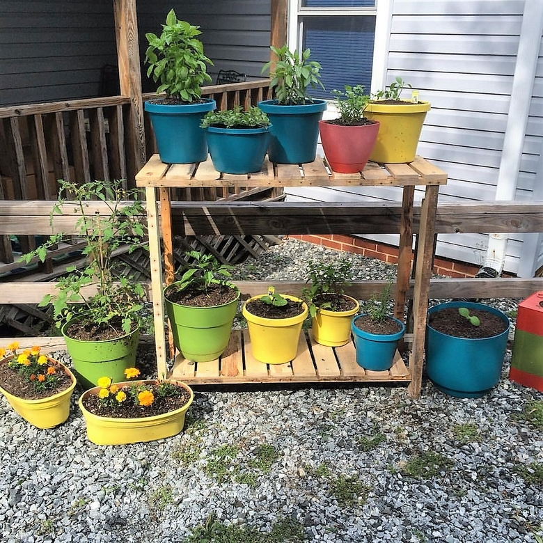 pallet-garden-potting-table