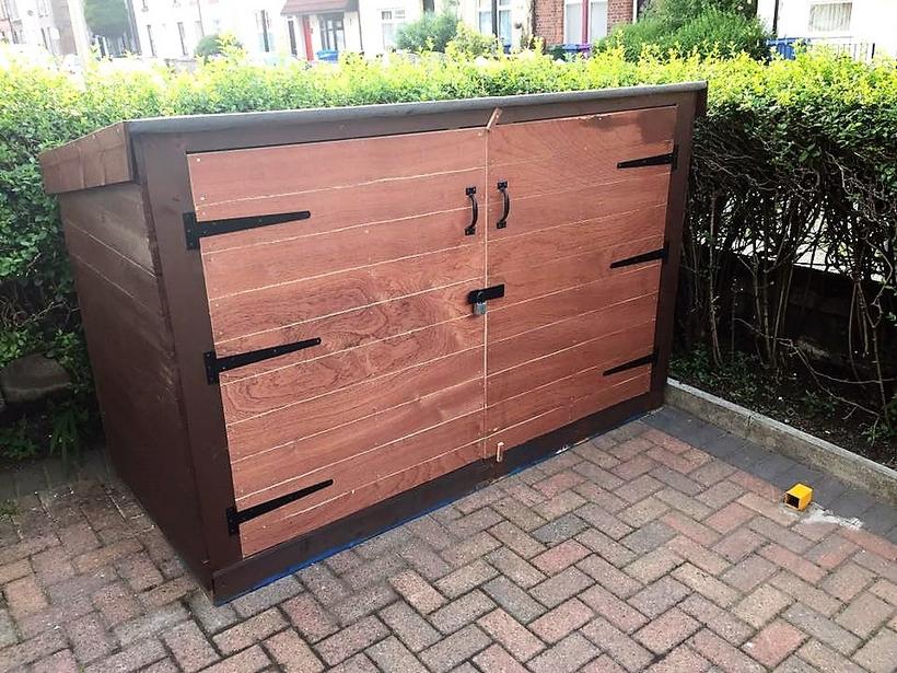 pallet-garden-storage-cabinet