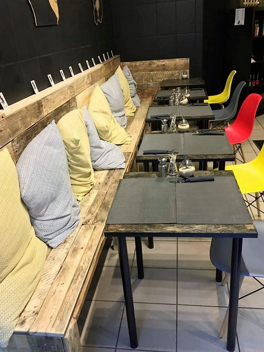 pallet-hotel-seating