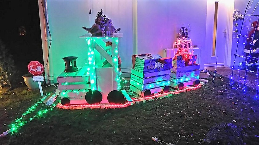 pallet-kids-train-fun