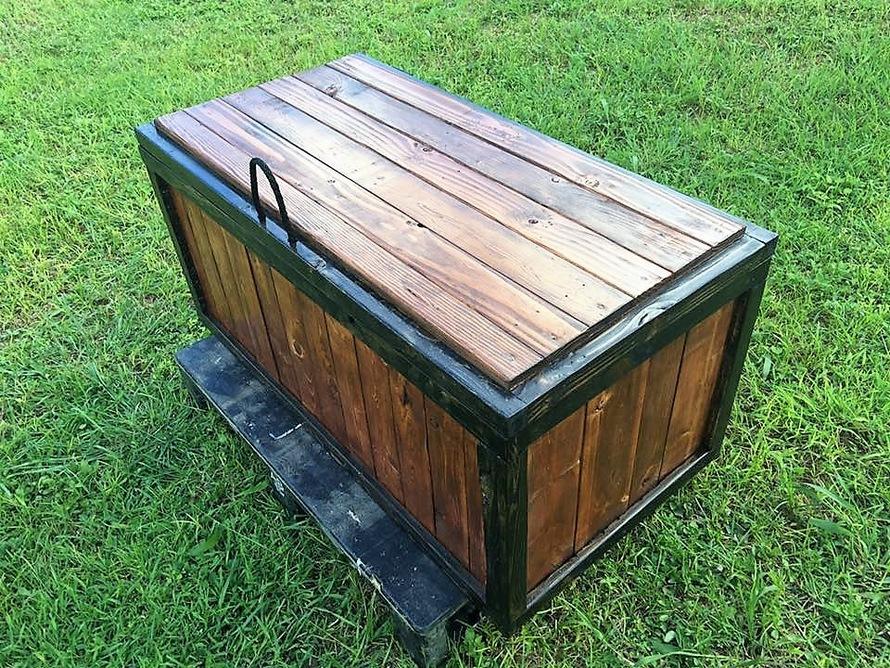pallet-made-storage-chest
