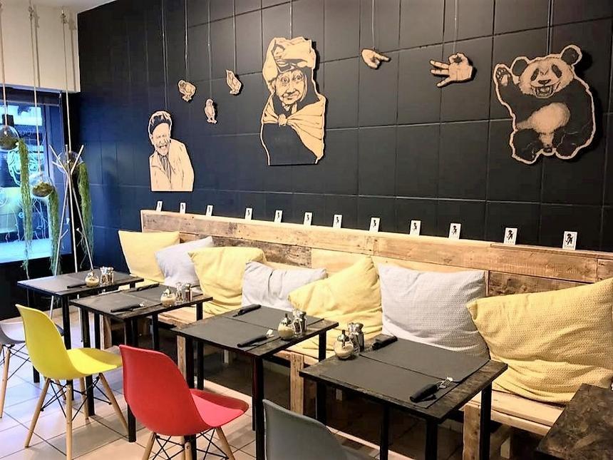 pallet-seating-in-bar