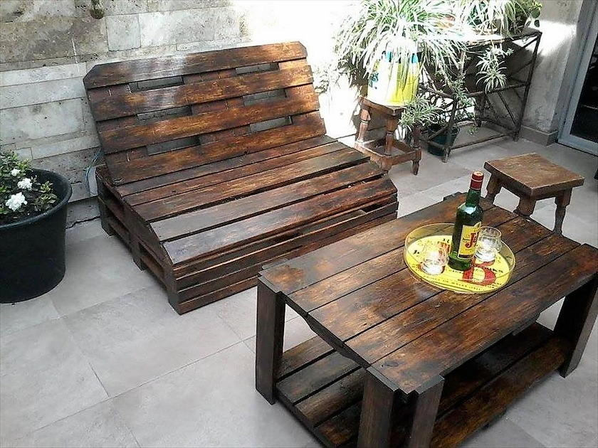 pallets-made-outdoor-furniture