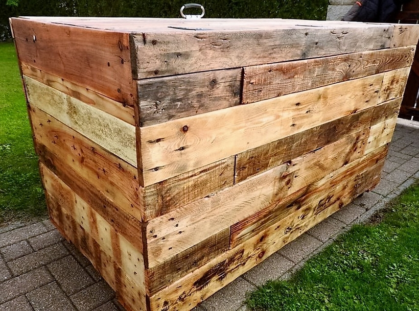 recycled-pallet-chest