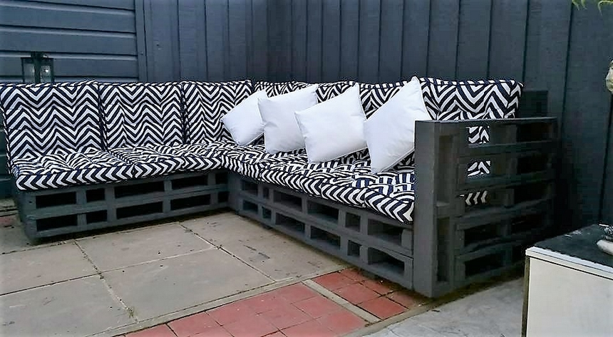 recycled-pallet-corner-couch