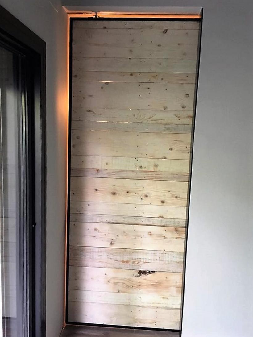 recycled-pallet-door