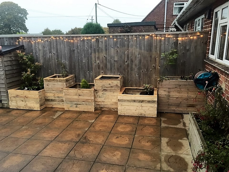 recycled-pallet-garden