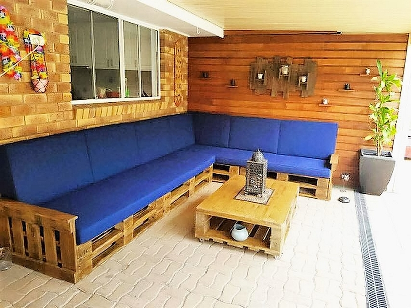 recycled-pallet-patio
