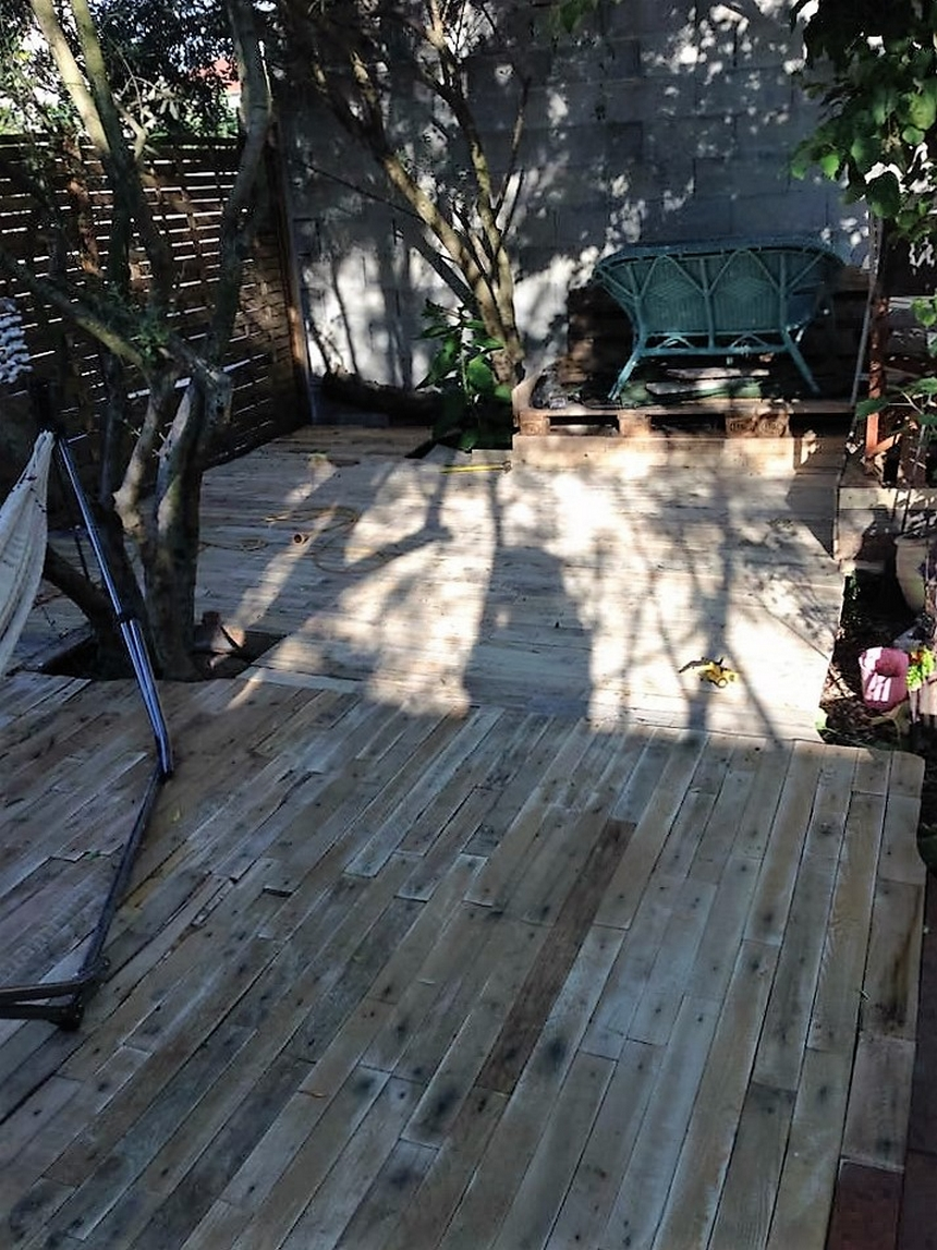 recycled-pallet-terrace