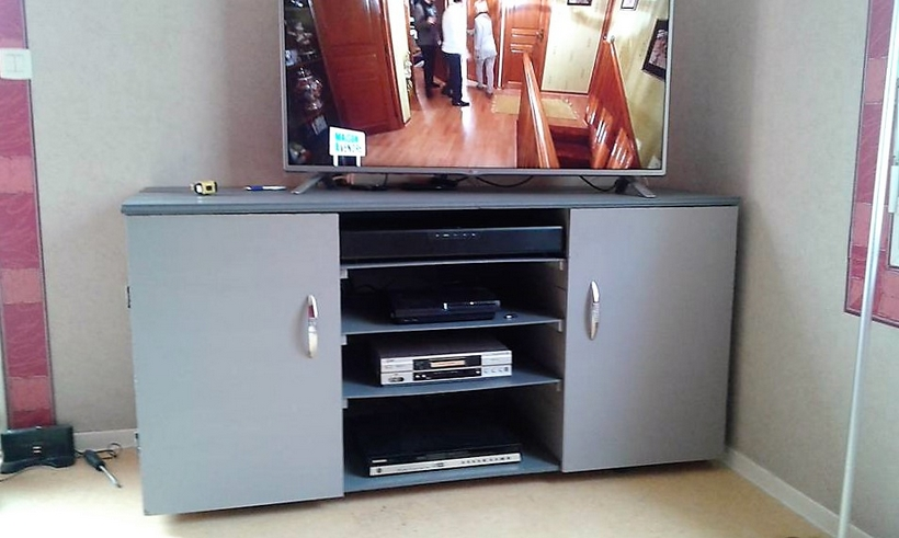 recycled-pallet-tv-cabinet-2