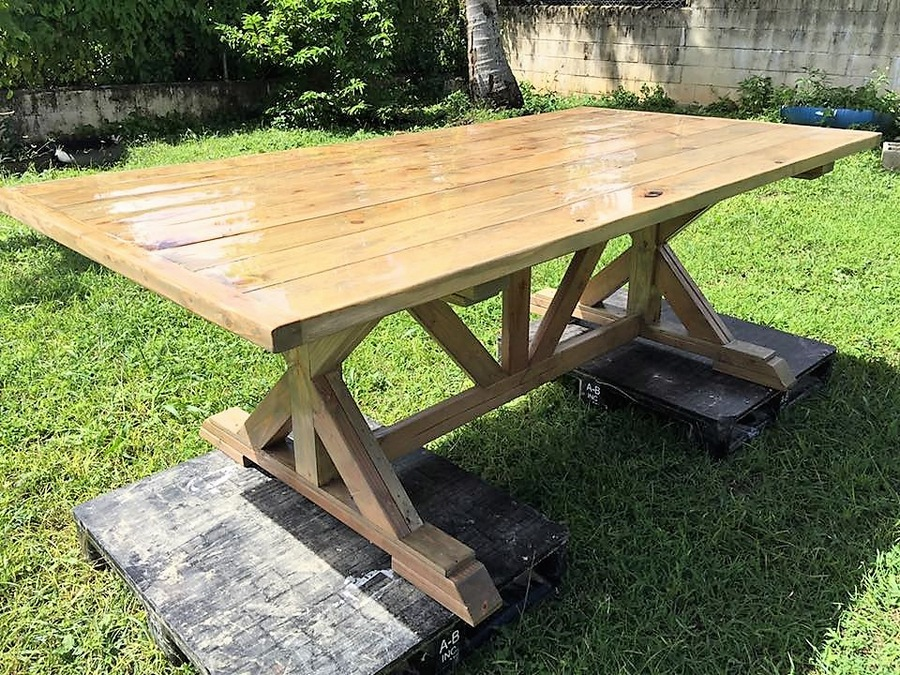 recycled-wooden-pallet-dinning-table