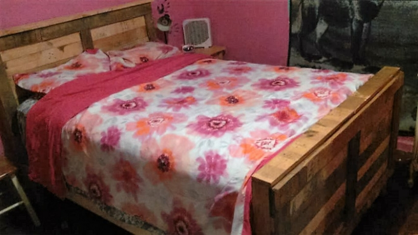wood-pallet-bed