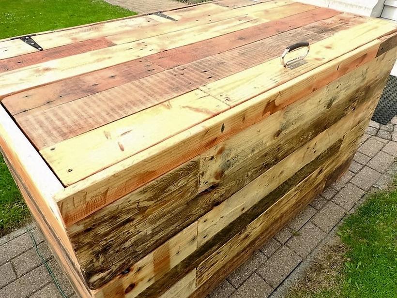 wood-pallet-chest