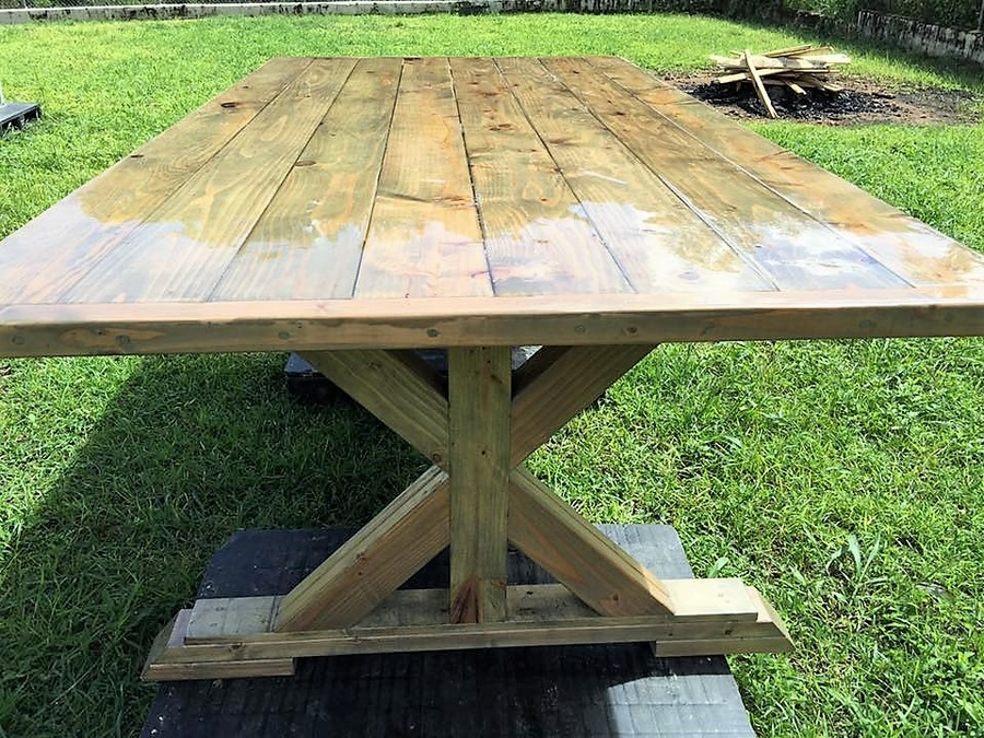 wood-pallet-dinning-table