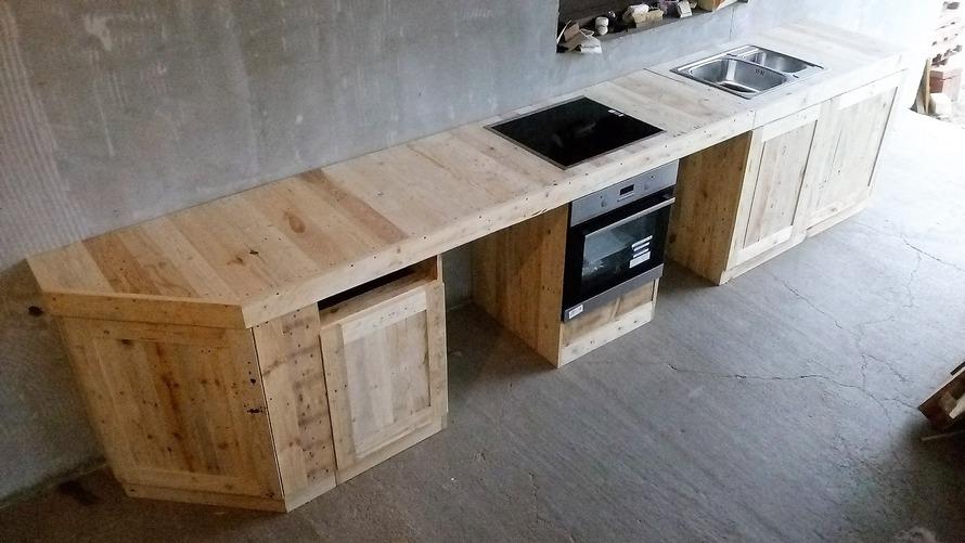 wood-pallet-kitchen