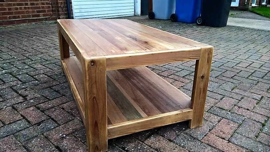 wood-pallet-recycled-table