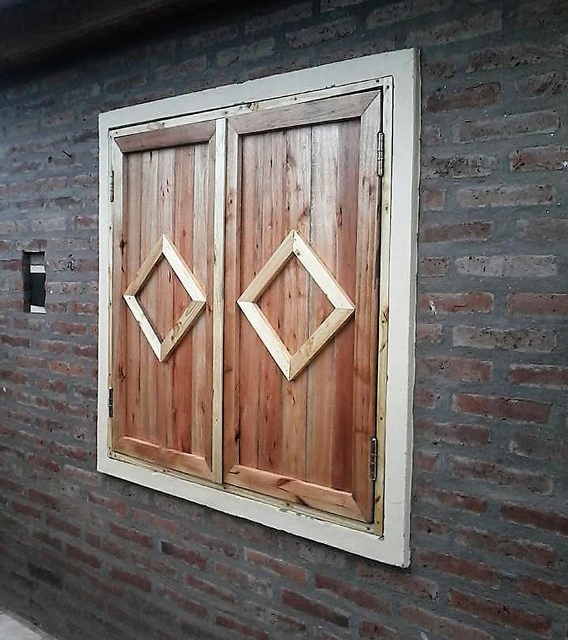 wood-pallet-window