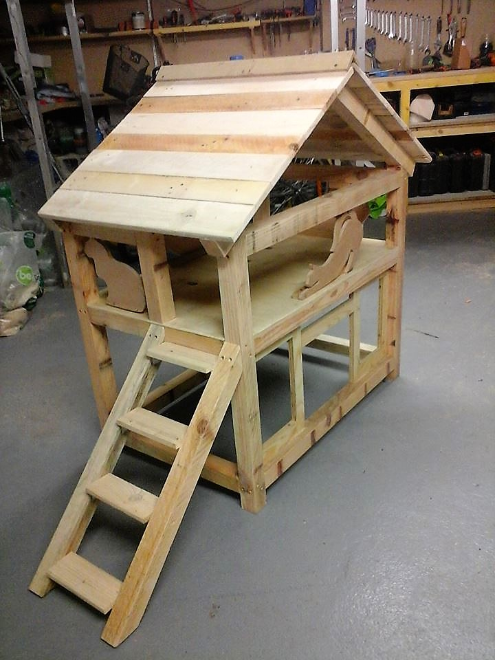 diy-wood-pallet-cat-house-2