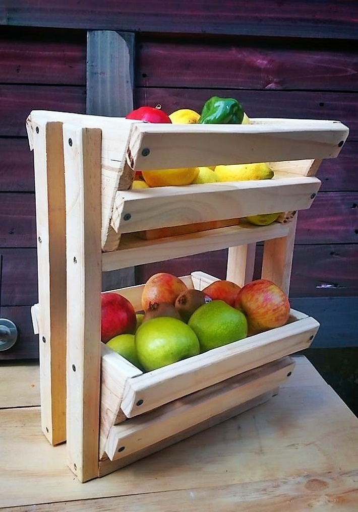 fruit-storage-rack-made-with-pallets