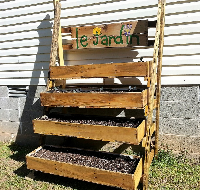 multistory-pallet-planter