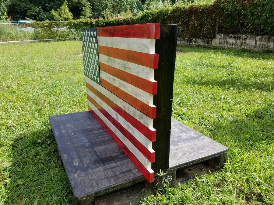 pallet-american-flag-idea