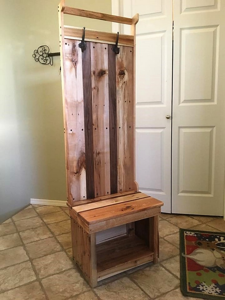pallet-coat-hanger-idea